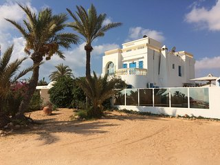 Villa w/ pool - 500m from the beach