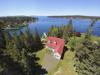 Harborside house with deepwater wharf, boat house and privacy in Port Clyde Vill
