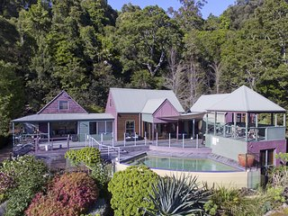 Sahali Kangaroo Valley