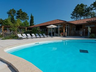 3 bedroom Apartment in Parentis-en-Born, Nouvelle-Aquitaine, France : ref 555919