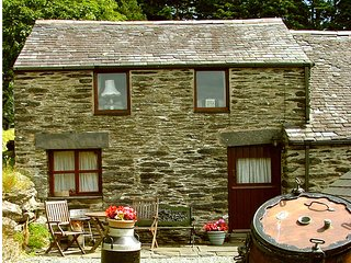 ;Geuron Holiday Cottages' Bwthyn Bach 1 bed  Cottage swimming pool pets welcome
