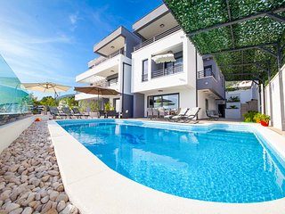 5 bedroom Villa in Puharici, , Croatia : ref 5582107