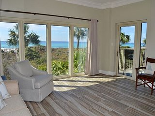 Beach Manor 209 ~ June specials ~ stunning beach views ~ FREE WIFI