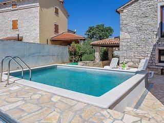 2 bedroom Apartment in Peresiji, Istria, Croatia : ref 5560892