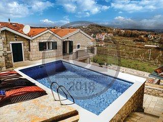 3 bedroom Villa in Gudelji, Splitsko-Dalmatinska Zupanija, Croatia : ref 5581984