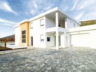 4 bedroom Villa in Marinovici, Croatia - 5581994