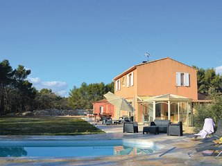 4 bedroom Villa in Saint-Cannat, Provence-Alpes-Côte d'Azur, France - 5582042