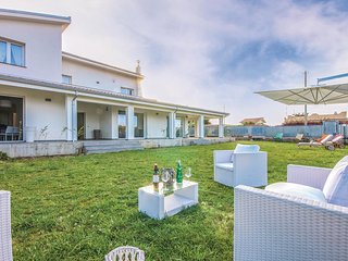 4 bedroom Villa in Villagrazia, Sicily, Italy : ref 5581929