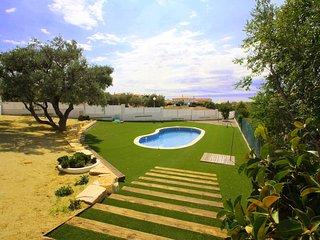 C37 NELA adosado jardín privado barbacoa y piscina