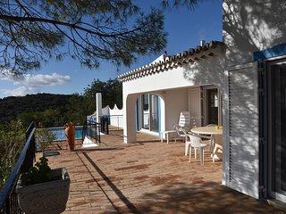 Villa individuelle au calme vue spectaculaire sur l'océan et l'Algarve