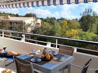 St Raphaël bord de mer, appartement pour 4 personnes (piscine et parking)
