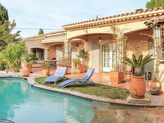 3 bedroom Villa in Les Angles, Occitania, France : ref 5582023