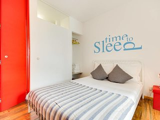 Modern and Cosy 1Bed in Historic Belém, Sleeps 4