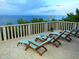 Beautiful beach villa tranquil and blissful, perfect for relaxation and fun time
