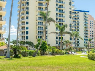 NEW! BEACHFRONT PENTHOUSE CONDO  - DIRECT VIEWS OF GULF OF MEXICO