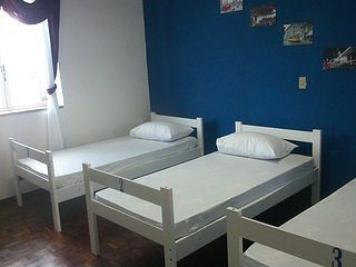 Dormitory with 3 beds: Bedroom 3