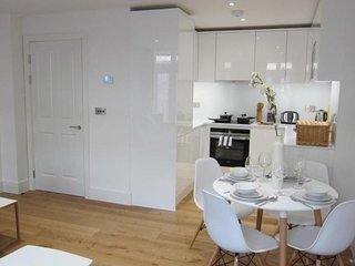 Apartment 928 m from the center of London with Internet, Lift, Washing machine (