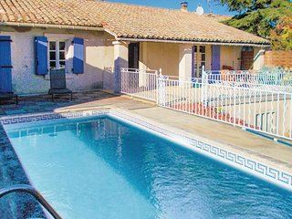 3 bedroom Villa in Robion, Provence-Alpes-Côte d'Azur, France : ref 5550361
