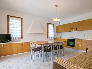 3 bedroom Villa in Isola Albarella, Veneto, Italy : ref 5570083
