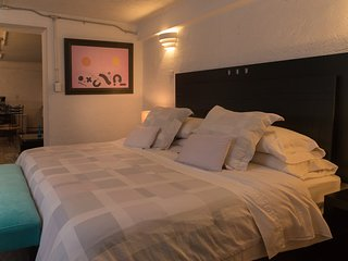 The Basement Suite, ideal couples, near the WTC; check-out our July special
