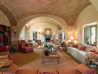 5 bedroom Villa in Argiano, Tuscany, Italy : ref 5239265