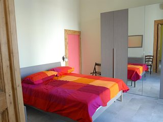 In the center of Naples with Internet, Air conditioning, Lift, Washing machine (