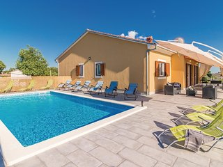 5 bedroom Villa in Koromani, Istria, Croatia : ref 5564546