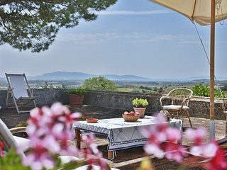 4 bedroom Villa in Poderone, Tuscany, Italy : ref 5240160
