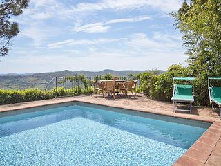 Volpaia Villa Sleeps 11 with Pool and WiFi - 5696054