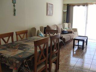 Apartamento primera linea!!! Parquin + aire+ wifi