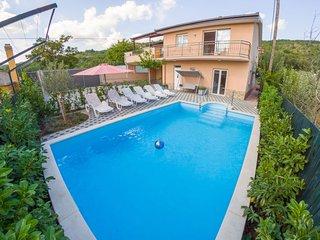 4 bedroom Villa in Juričići, Splitsko-Dalmatinska Županija, Croatia : ref 557982