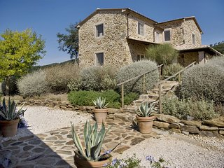 La Campigliola Villa Sleeps 10 with Pool - 5696039