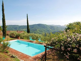 5 bedroom Villa in San Martino in Freddana-Monsagrati, Tuscany, Italy : ref 5239