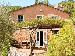 5 bedroom Villa in San Martino in Freddana-Monsagrati, Tuscany, Italy : ref 5239