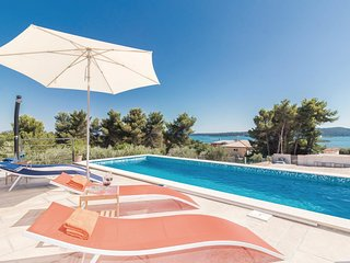4 bedroom Villa in Medulin, Istria, Croatia : ref 5547603
