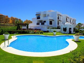 2 bedroom Apartment in Estepona, Andalusia, Spain : ref 5697914