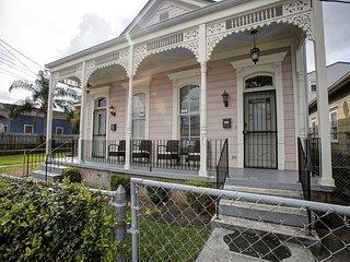 Lavish New Orleans Home - 9 Mins to French Quarter