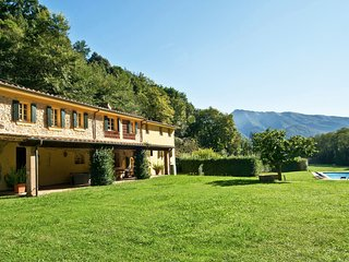 6 bedroom Villa in Montebello Due, Tuscany, Italy : ref 5239247