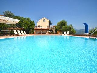 5 bedroom Villa in Cammaresano-Villano, Campania, Italy : ref 5582390