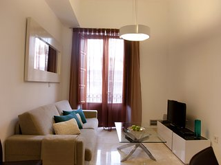 Building in the center of Granada with Air conditioning, Lift, Balcony (529373)