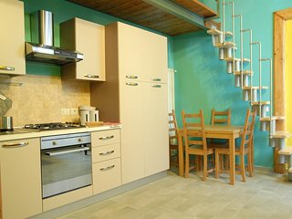 Apartment in the center of Naples with Internet, Air conditioning, Lift, Washing