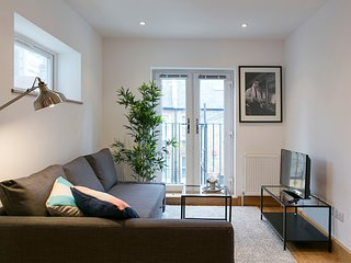 Apartment in London with Internet, Balcony, Washing machine (343363)