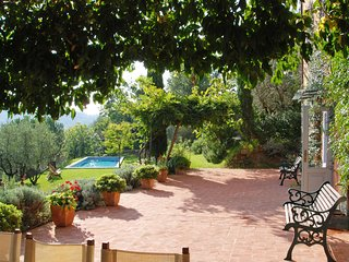Castagnori Villa Sleeps 7 with Pool - 5696010