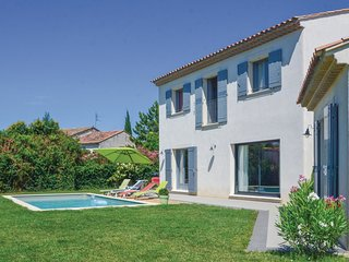 3 bedroom Villa in Mollégès, Provence-Alpes-Côte d'Azur, France : ref 5547538