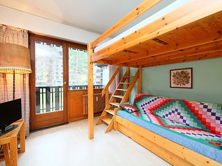 2 bedroom Apartment in Chamonix, Auvergne-Rhône-Alpes, France : ref 5552390