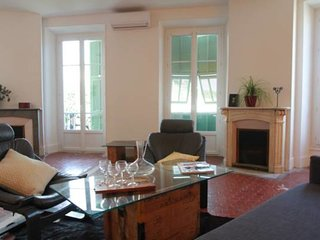 Provencal style apartment in the heart of Nice - W283