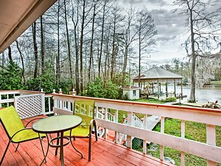 Riverfront Covington Home w/Views Near Boat Launch