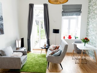 Apartment 1.3 km from the center of Vienna with Internet, Parking, Terrace, Gard