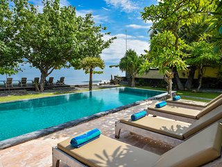 Private Beachfront villa Pemuteran Bali with staff