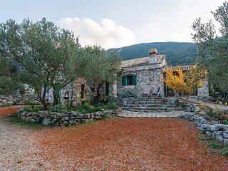 2 bedroom Villa in Dekovici, Dubrovacko-Neretvanska Zupanija, Croatia : ref 5543